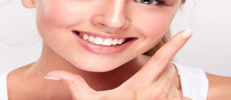 8 Tips For Keeping Your Teeth And Gums Healthy