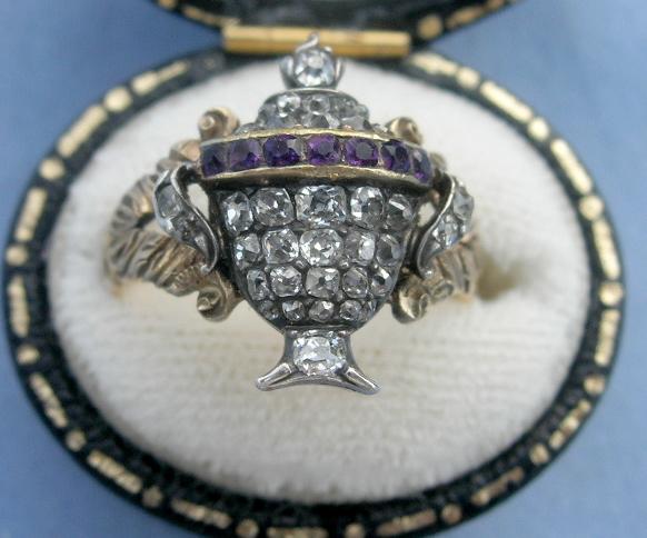 Urn in jewelery