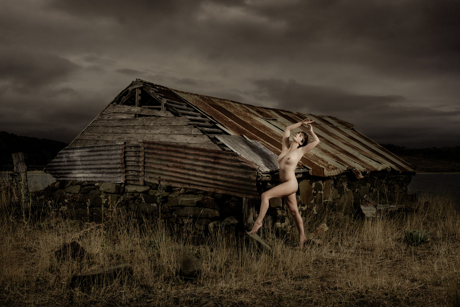 Another one from my Tassie workshop. This is the amazing @skdmodel from the UK who happens to be heading to Brisbane very soon. I scouted this location way back in 2007 on my very first trip to Tasmania and it just happened to be 5 minutes up the road from our accommodation for the workshop. Lighting with two @elinchrom_ltd ELB 400's to create some drama. Assisted by @phototim1999 and @theimagesguy