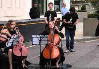 Greenpeace holds musical protest outside Shell's London HQ (Aug 2015)
