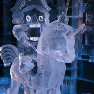 Ледяная скульптура: Щелкунчик