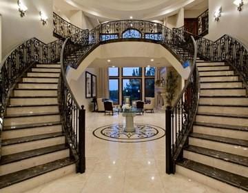 Ступени и лестницы из гранита, мрамора, натурального камня