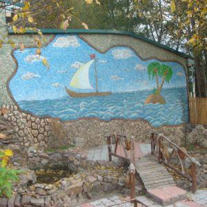 Барельеф из бетона Парусник в море