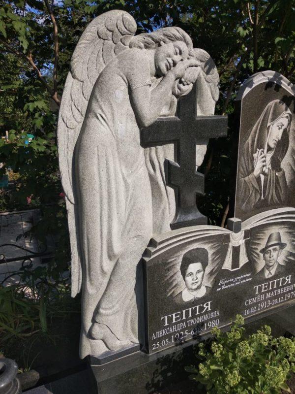 Скульптура из гранита: Отдыхающий ангел