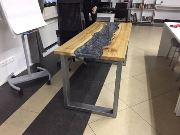Деревянная мебель: Рабочий стол