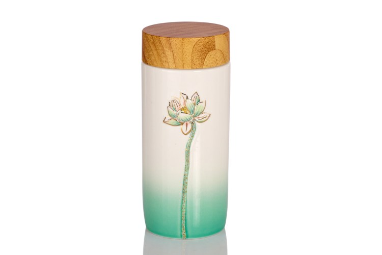 floral-beauty-white-green-18k-gold-flower