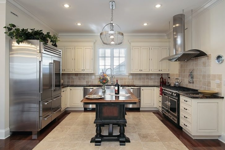 Kitchen Cabinets Call Rich Tones Country Island