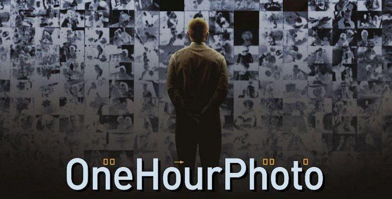 Il mondo artificiale delle fotografie in One Hour Photo, di Mark Romanek