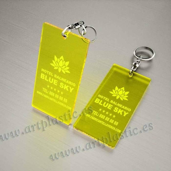 llaveros plastico personalizados originales amarillos baratos rectangulares 100x60