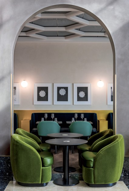 Restaurant I Love Paris by Guy Martin à l'aéroport Paris-Charles de Gaulle, design India Mahdavi (2015).