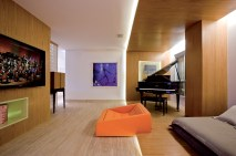 Leo Romano - Piano - Living Room