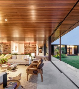 Maison BF terrasse +salon intérieur