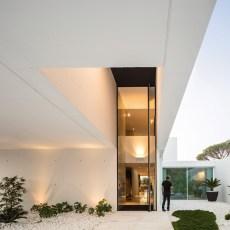 QL House vue extérieur escalier