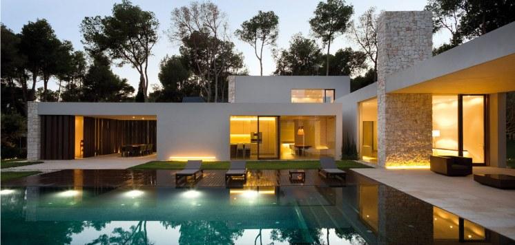 Forest House - piscine et façade