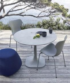 Table FIORE et chaises PAPIlIO Design : Naoto Fukasawa pour B&B Italia www.bebitalia.com