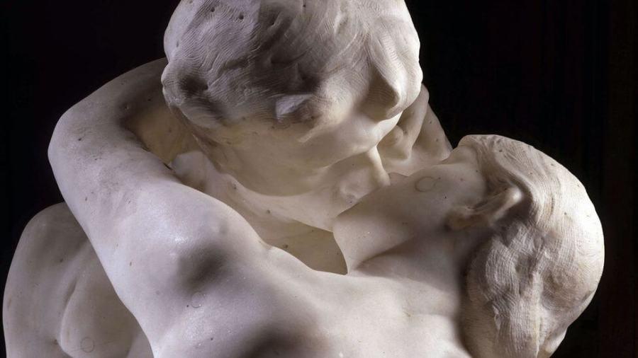 Фото детали скульптуры
