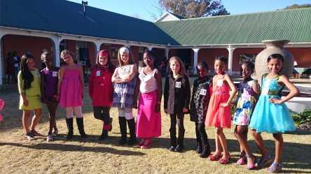 Girls 7-12 (3rd Ziane Cloete, 1st Avril Theron, 2nd Lathitha Ndlangwe)