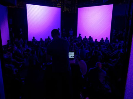 ARTICLE | Endless Growth (Data Decay v3) is an audiovisual performance by Pierce Warnecke using data to illustrate dynamic ecosystems.