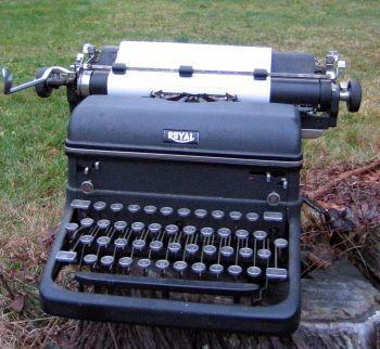Nelson-Royal-Typewriter.jpg