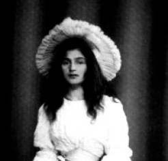 Julie_Manet_1894_cropped