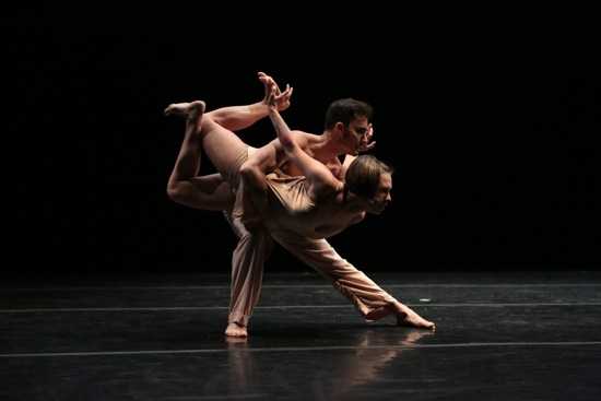 Reed Luplau holds Katerzyna Skarpetowska in Lar Lubovitch's The Time Before the Time After. Photo: Steven Schreiber