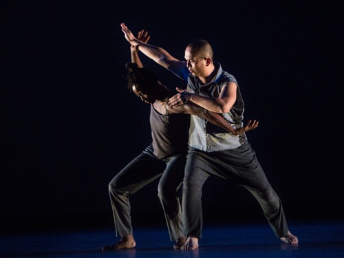 Taisha Paggett (L) and Nguyên Nguyên of David Roussève/REALITY in Stardust. Photo: Yi-Chun Wu