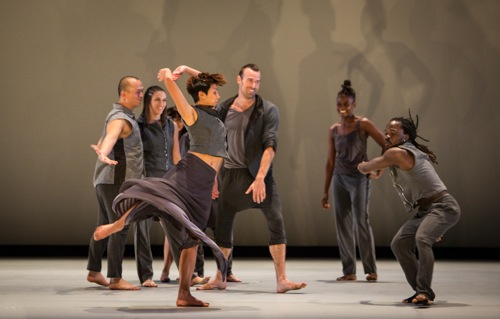 (L to R) Nguyên Nguyên, Leanne Iacovetta, Jasmine Jawato, Kevin Williamson, Taisha Paggett, and Michel Kouakou at play in Stardust. Photo: Yi-Chun Wu