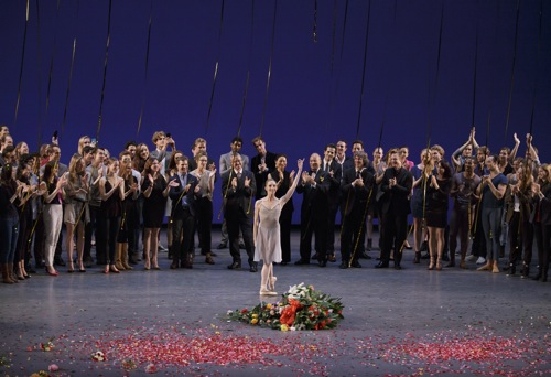 Wendy Whelan says goodbye to her colleagues and her audience. Photo: Paul Kolnick
