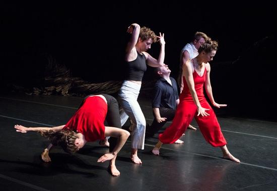 Ivy Baldwin's Oxbow. (L to R): Anna Carapetyan, Eleanor Smith, Ryan Tracy, Luke Miller (hidden), Katy Workum. Photo: Yi-Chun Wu