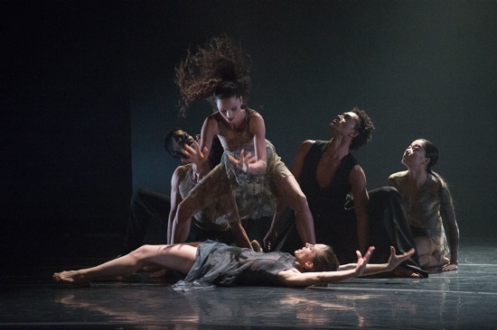 Nacho Duato's Depak Ine. (L to R): Lloyd Knight, Carrie Ellmore-Tallitsch, Lauren Newman (supine), Abdiel Jacobsen, and Ying Xin. Photo: Christopher Duggan