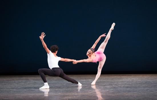 Patricia Delgado and Renan Cerdeiro in Balanchine's Symphony in Three Movements. Photo: Daniel Azoulay