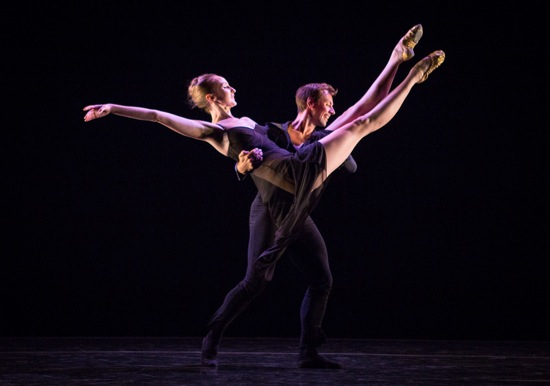 Kaitlyn Gilliland and Matthew Dibble in Twyla Tharp's Beethoven Opus 130. Photo: Yi-Chun Wu