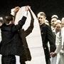 Anti-Putin Protester Gets Onto Met Stage, Interrupts Anna Netrebko's Bows
