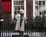 "Judi Dench Decries ""Laziness"" Of Young Actors"