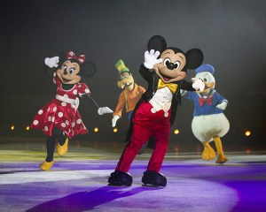 The Wonderful World of Disney On Ice - MICKEY AND MINNIE