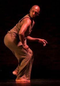 04.03.2006 FNB Dance Umbrella. Program 9. Johannesburg University Arts Centre. ' Men-Jaro' by Vincent Sekwati Koko Mantsoe. Photograph : John Hogg.
