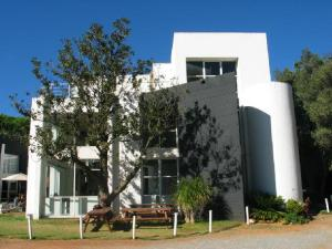 The Gerard Sekoto Gallery is found at the Alliance Française of Johannesburg