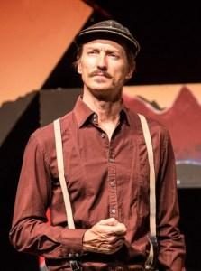 Chris Chameleon as Boerneef in Flennie die Snare