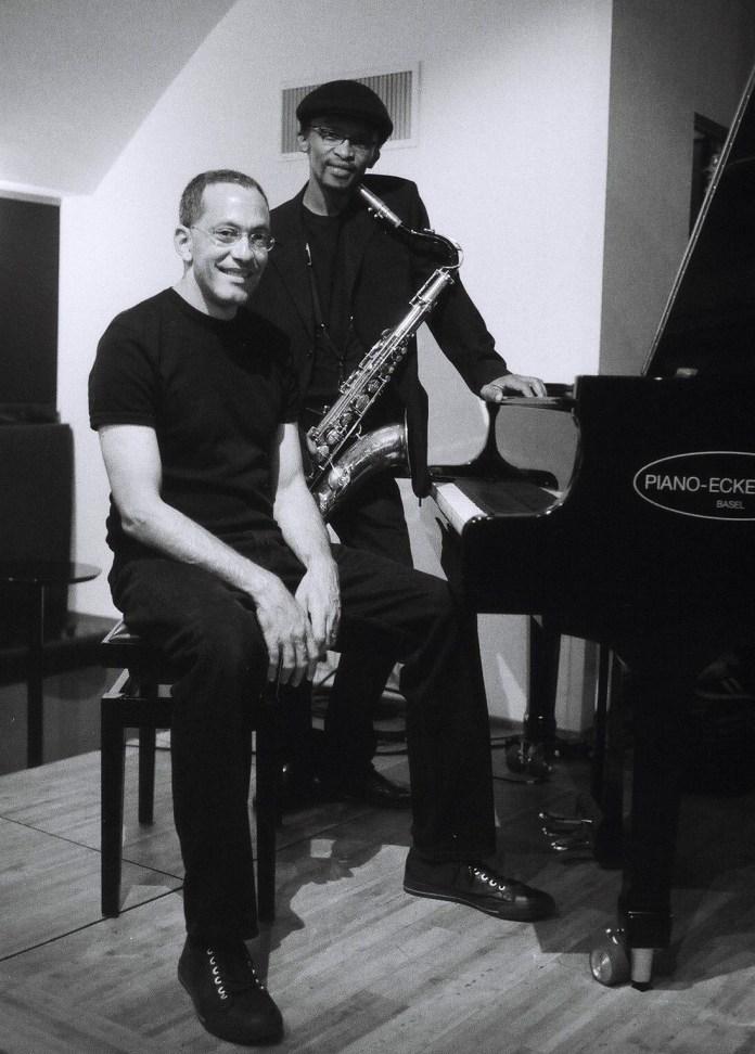 McCoy Mrubata and Paul Hanmer át Bird's Eye Jazz Club Basel 06/2009 © Katrin Kusmierz