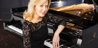 Passionate pianist Olga Kern plays for JMS