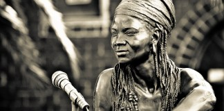 Angus Taylor's life-size bronze sculpture of Brenda Fassie outside Bassline, a music venue in Johannesburg. The Sunday Times commissioned the tribute, which was installed in March 2006. (Photo © Axel Bührmann)