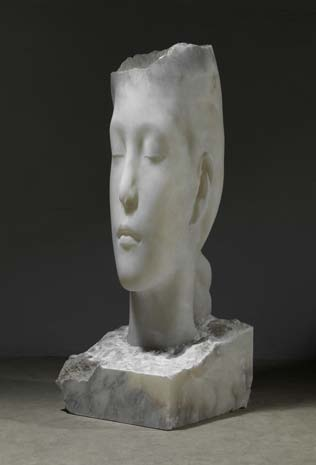 Jaume Plensa. Laura II, 2013. Alabaster. © Jaume Plensa. Courtesy Galerie Lelong, New York. © Plensa Studio Barcelona. Photo:Fotografia Gasull.