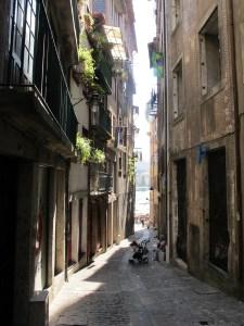 Porto-narrow-street