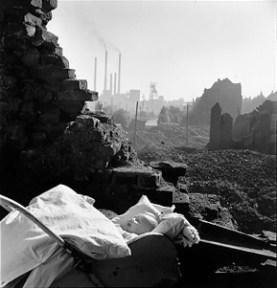 David Seymour - Illegitimate child of a british soldier, Essen (1947)