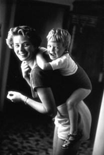 David Seymour - Ingrid Bergman at home with her son, Robertino Rossellini. Santa Marinella, Italy (1956)