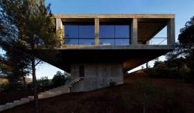 Pezo Von Ellrichshausen Architects . solo house . cretas (1)