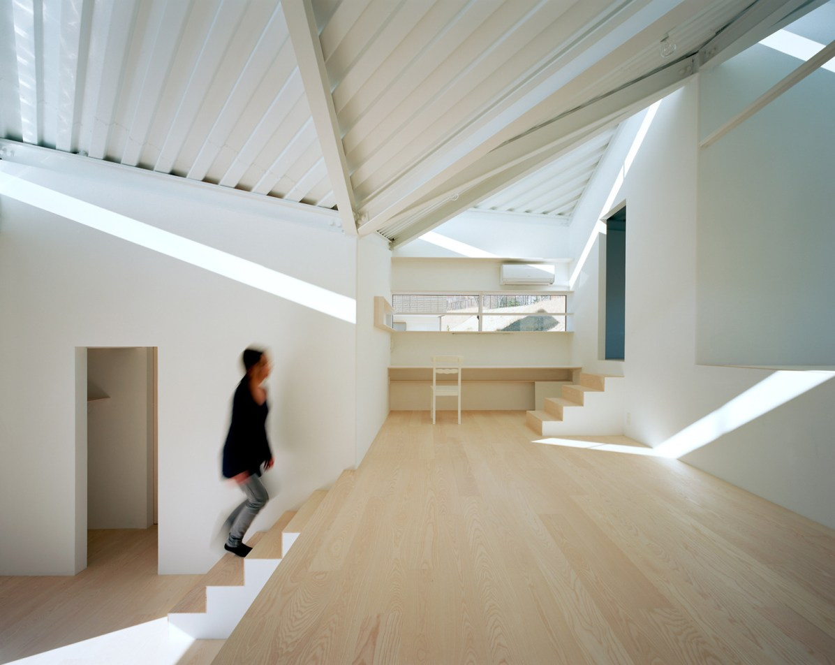 Kai Nakamura / Roof on the Hill - Alphaville Architects