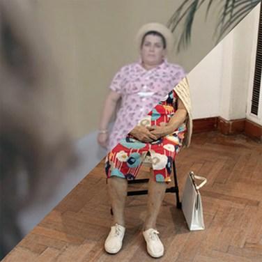 Alberto Sordi, Le vacanze intelligenti (Dove vai in vacanza?), 1978 VS Duane Hanson, Old lady in folding chair, 1976 – © Davide Trabucco, Confórmi
