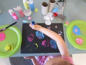 Arty Crafty Kids - Circle Print Art
