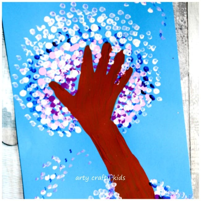Arty Crafty Kids - Art - Winter Crafts for Kids - Winter Handprint Tree